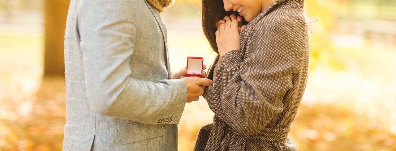 Heiratsantrag im Freien