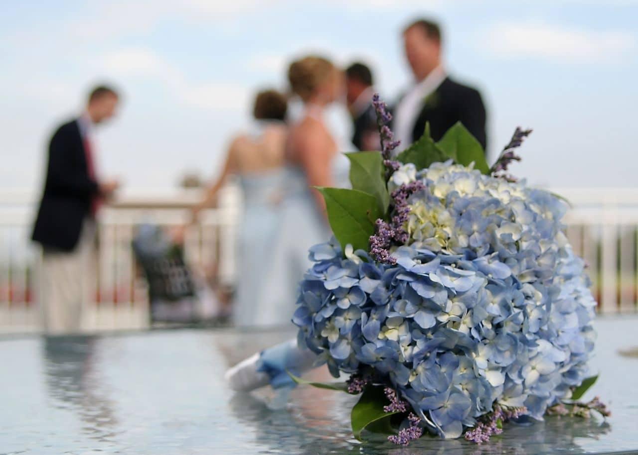 Hortensienstrauß Brautpaar