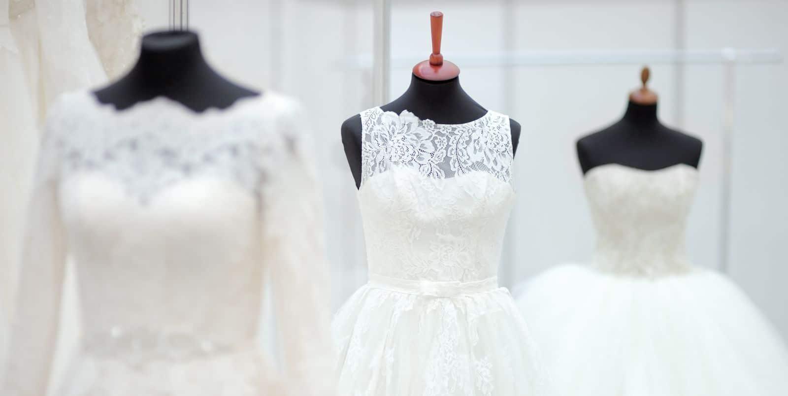 Brautkleider auf Kleiderpuppe