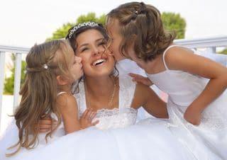 Braut mit Kindern