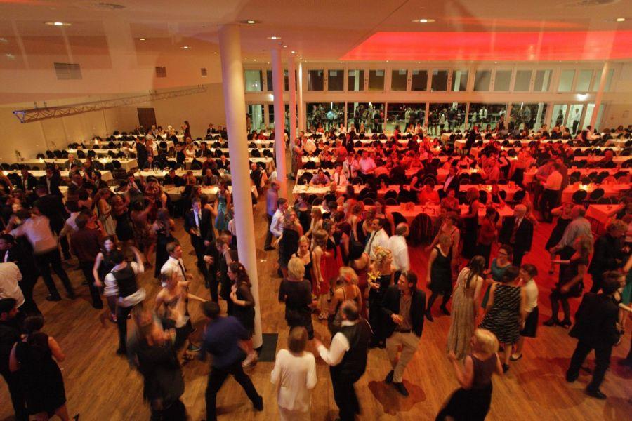 Hochzeit im congresscentrum wienecke xi hannover in for Designhotel wienecke xi hannover