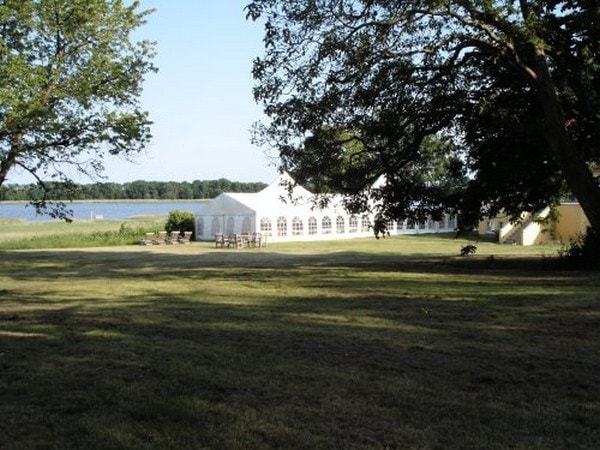 Hochzeiten auf r gen gutshaus grubnow in neuenkirchen hochzeiten feiern - Hochzeitsfeier im garten ...