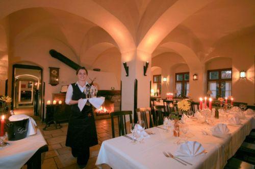 Hochzeit scheune wurzburg for Wurzburg umgebung hotel